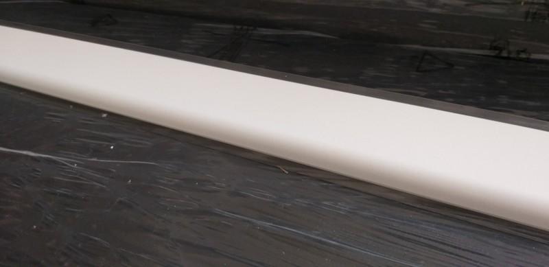 Alzatine PVC revetu en blanc